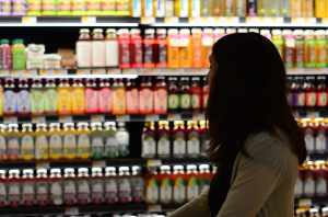 shopping-bottle-woman-grocery